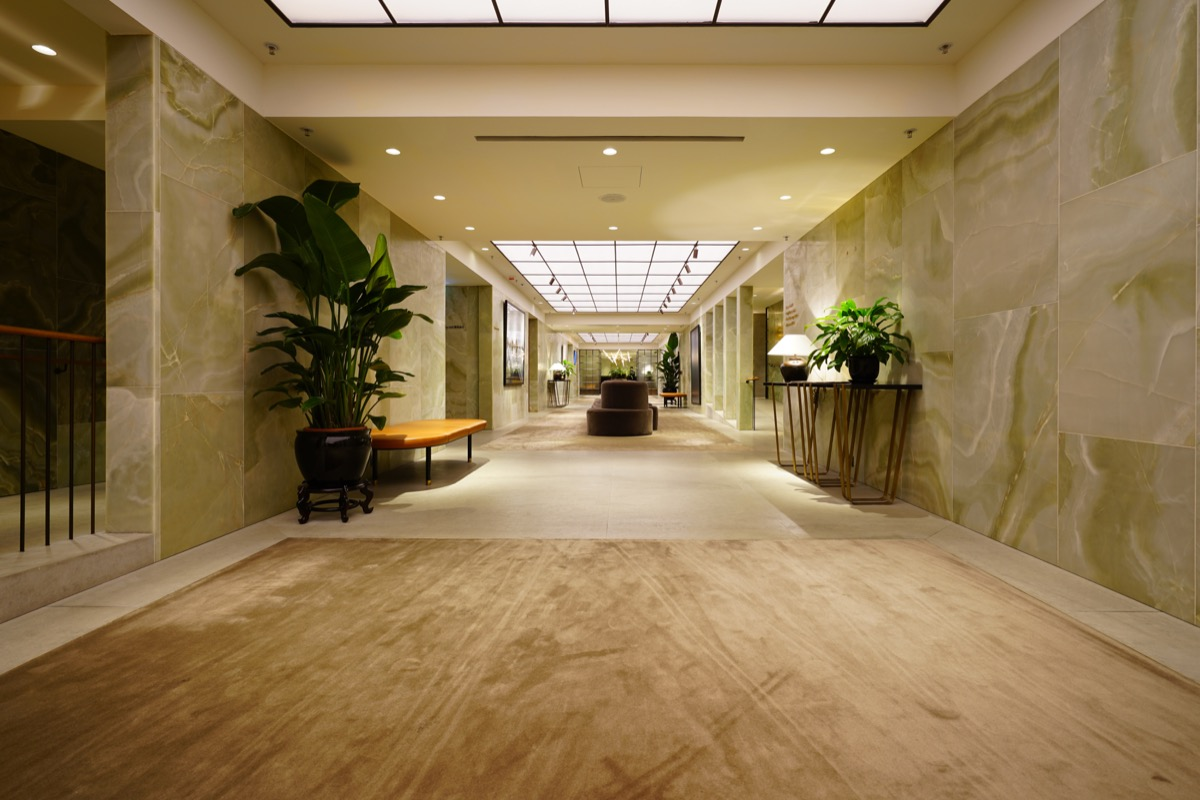 cathay pacific first class lounge in hong kong international airport, airport lounges