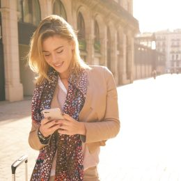beautiful girl on smartphone, how to slide into DMs
