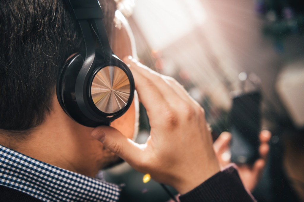 Commute ambient noise