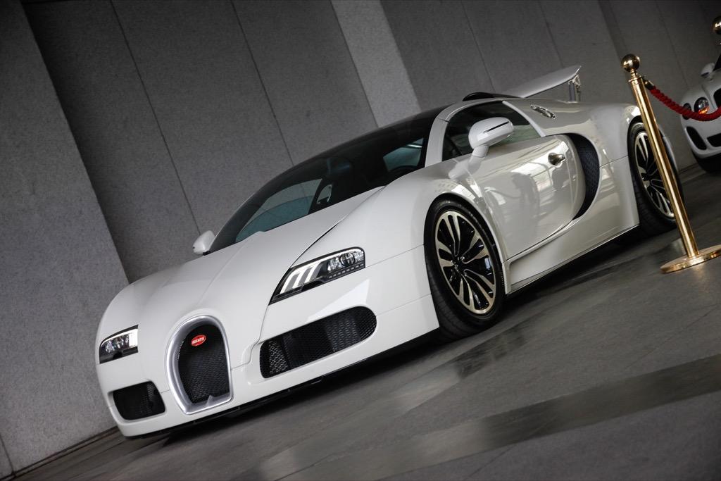 Insanely fast cars bugatti