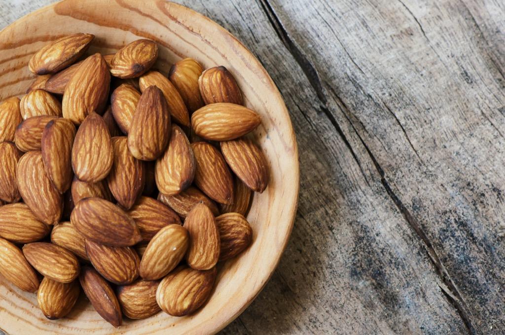 Almonds, healthy food, brain foods, controlling cravings