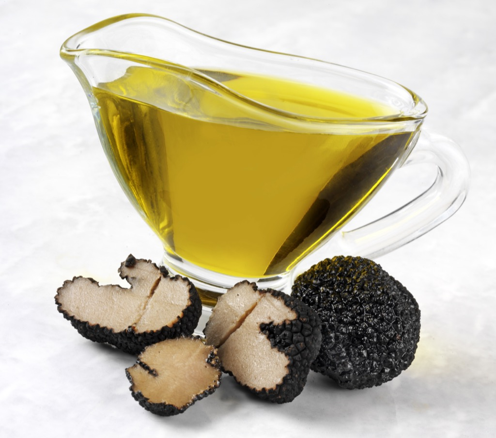 truffle oil in a glass boat, foods that make you smell good