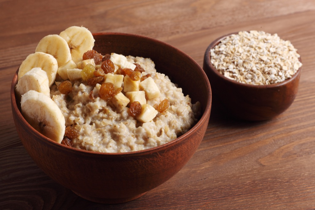 Oatmeal and raisins and bananas for low blood pressure look younger oats healthy man
