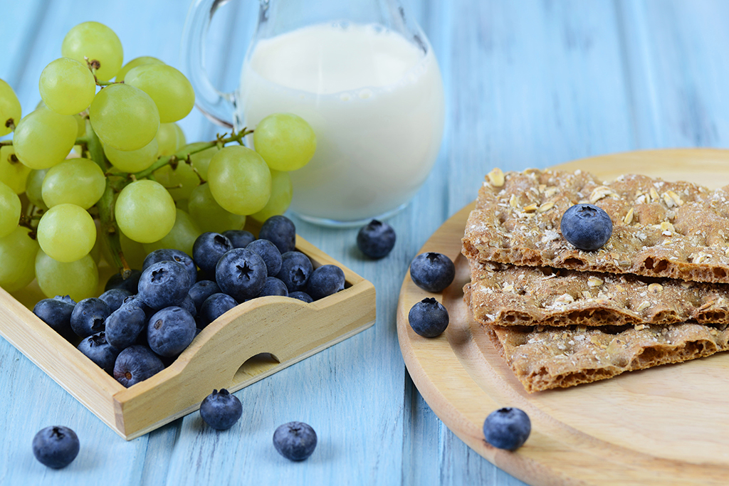 blueberries, grapes, food combos