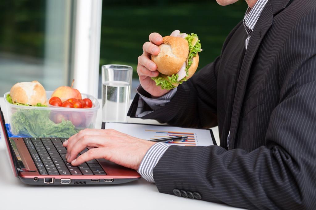 Bad bosses, desk lunch