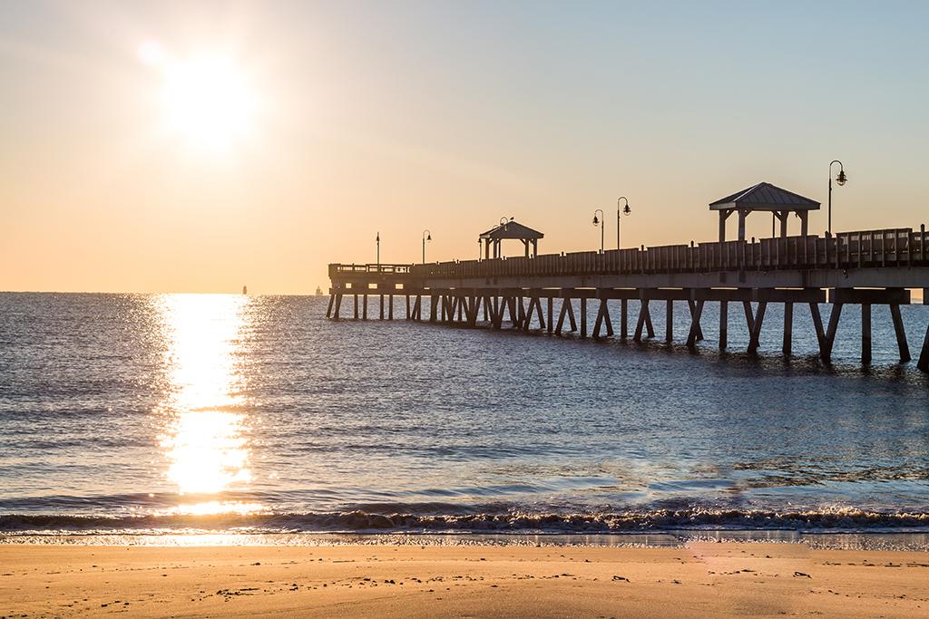 Hampton, beach, sunset, pier, longest-living cities