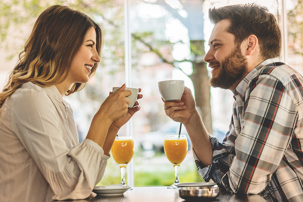 essential dating tips for men over 40 - what to say on a first date