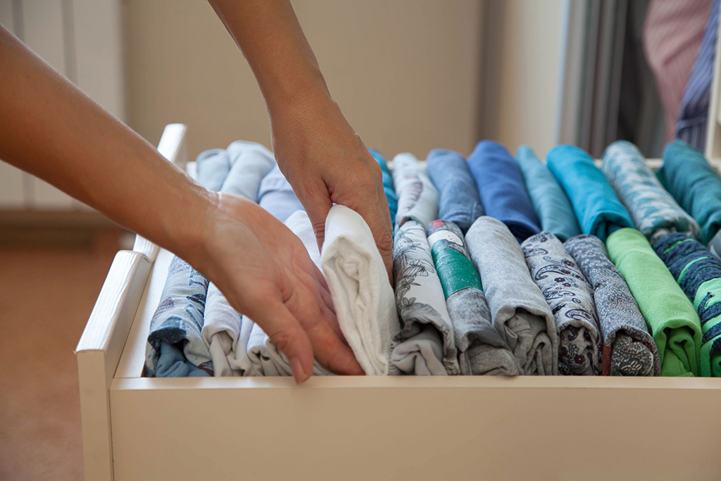 Organized Drawer {Home Organization Tips}