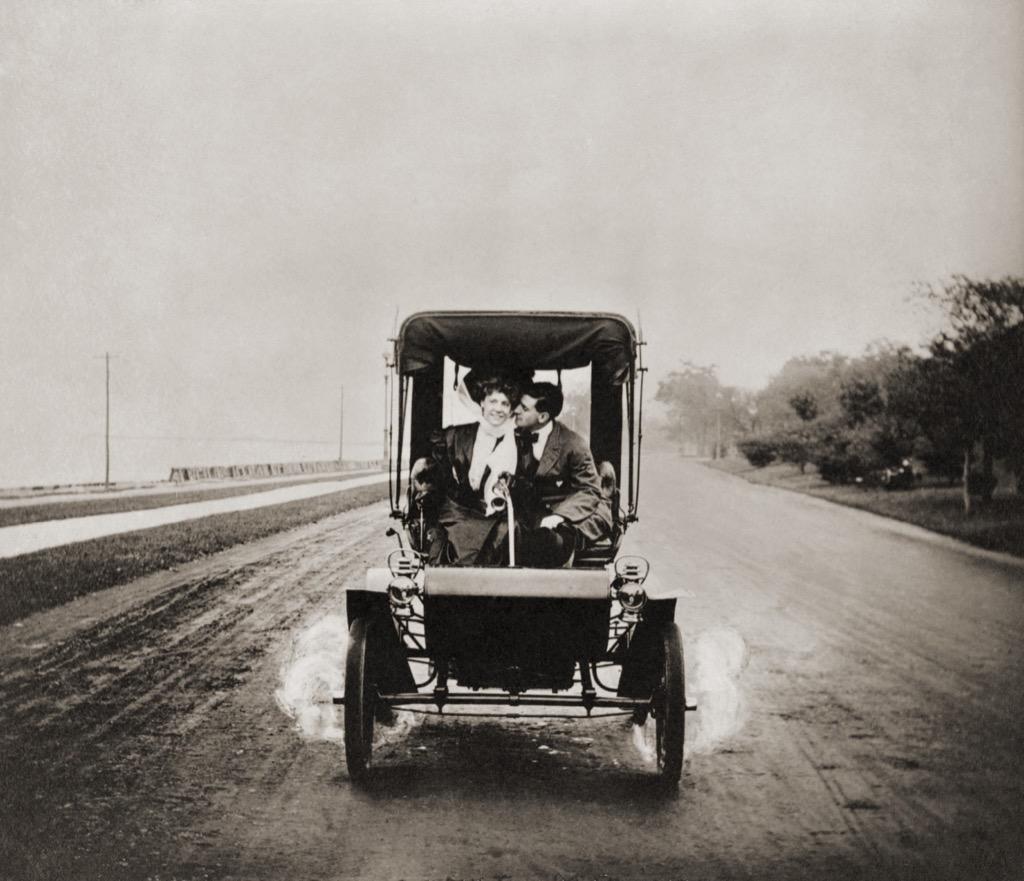 Horseless Carriage, Scandalous