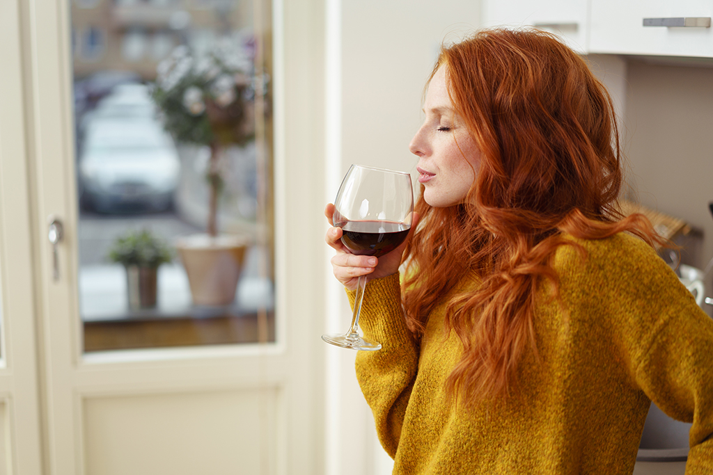 still single, red hair woman, red wine
