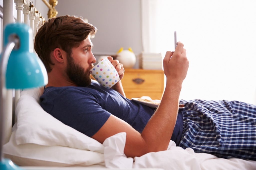 biggest New Years resolution mistakes social media cheating
