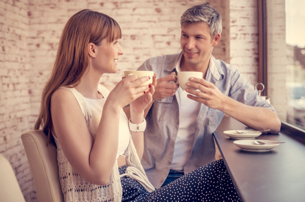 couple on a date- body language signs of attraction