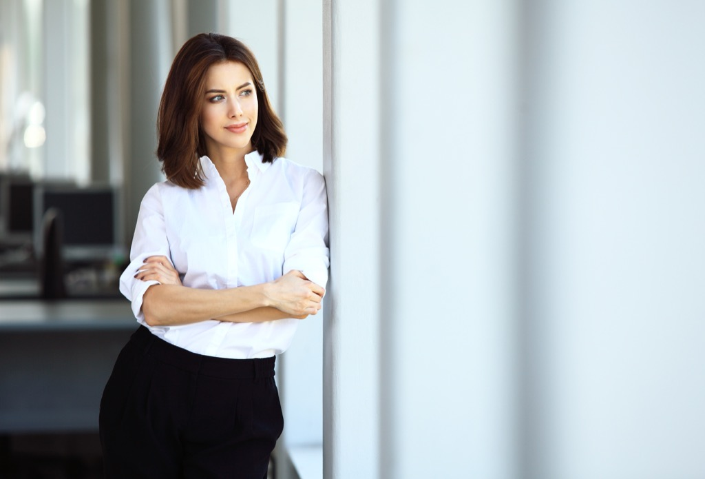 confident woman ways to be less indecisive