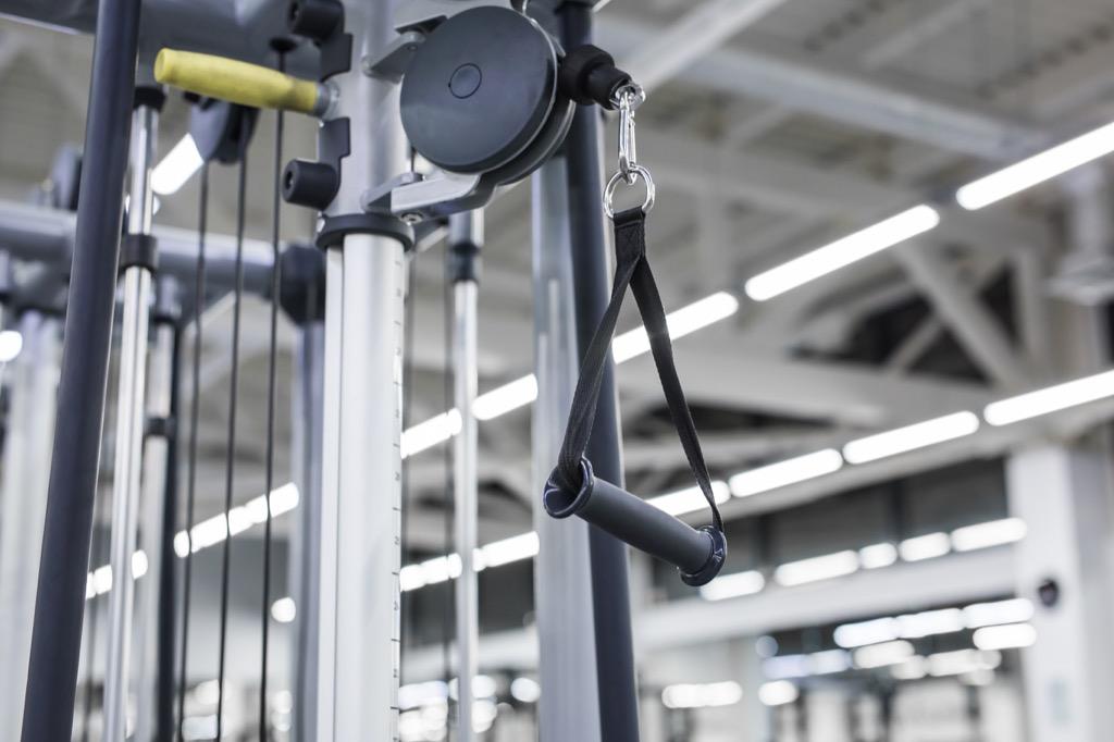 gym pulley cable machine paloff press