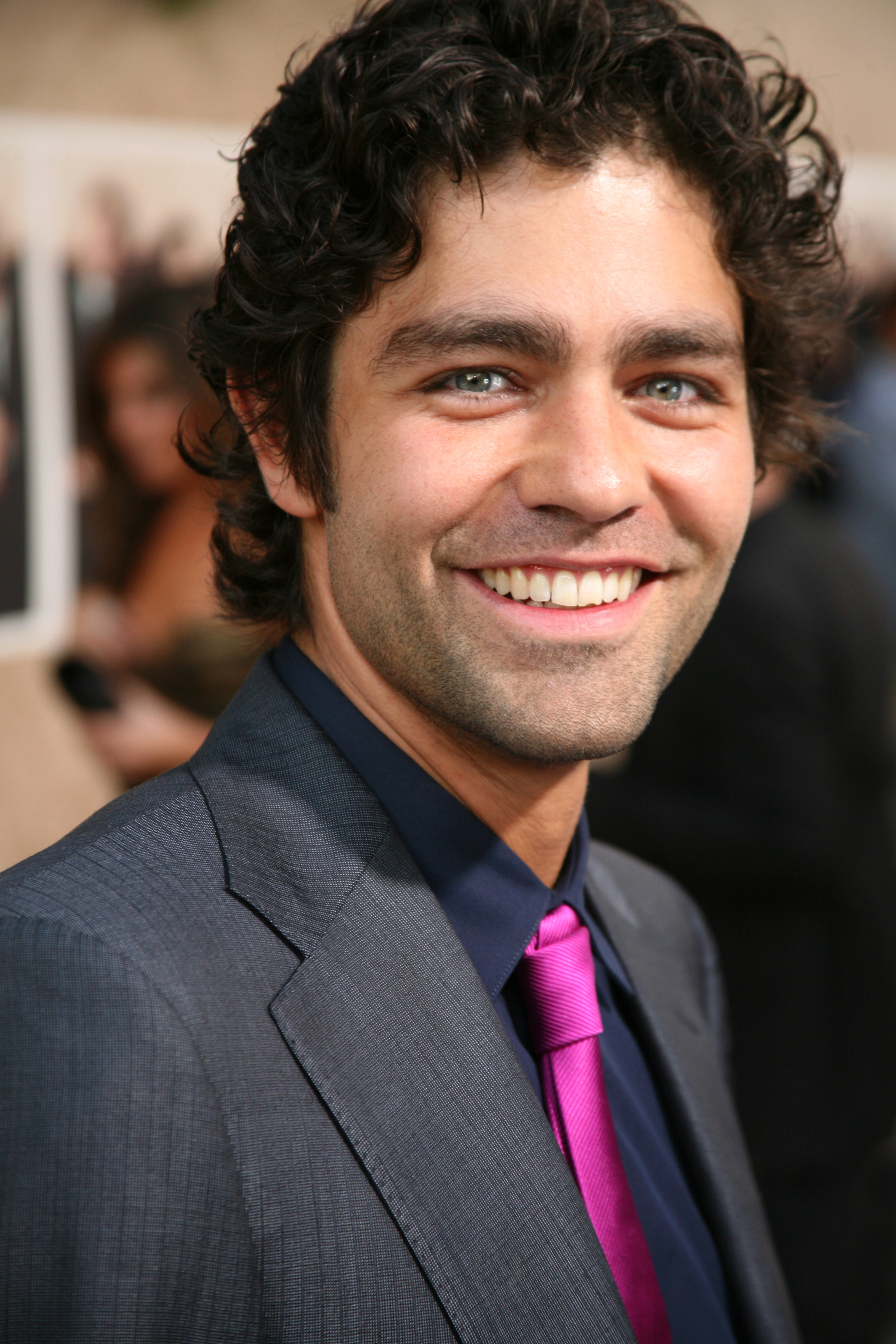 Adrian Grenier and his curly hair
