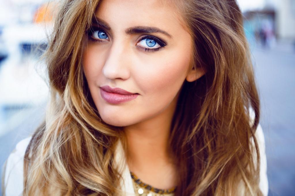 pretty woman blue eyes