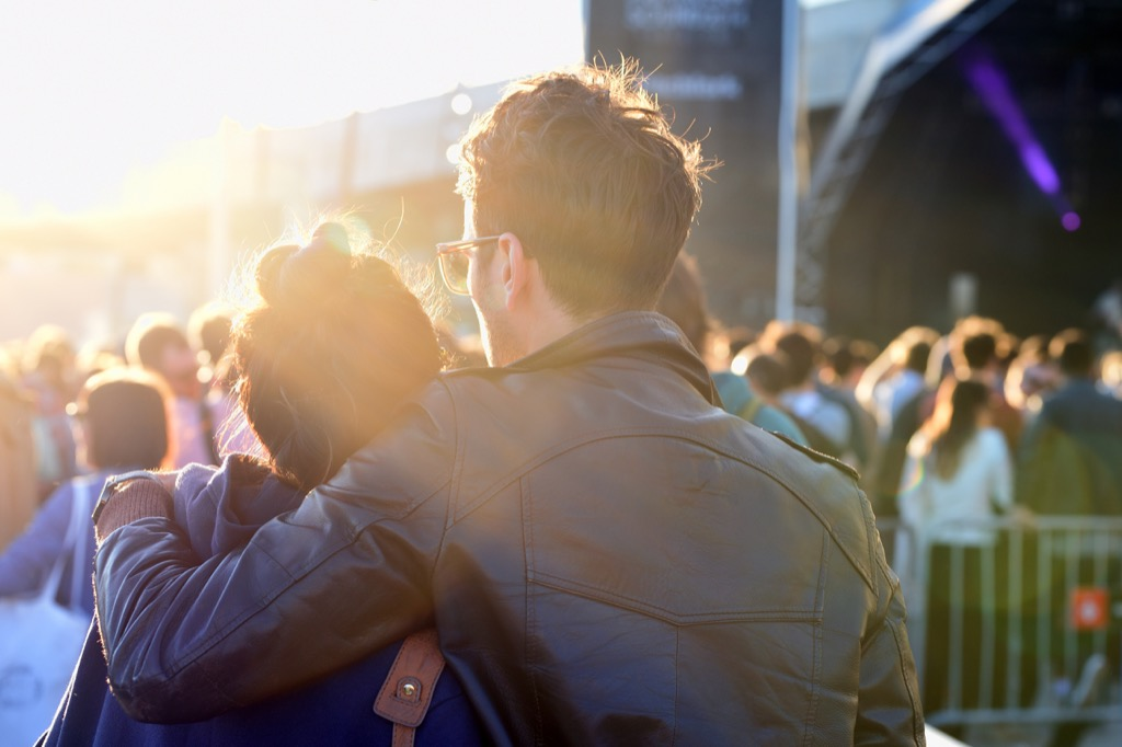 listening to music can help couples relax