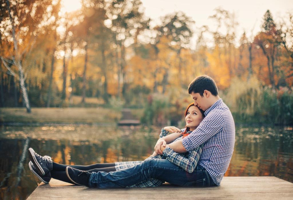 lakeside couple, fall, autumn, 20 phrases to say
