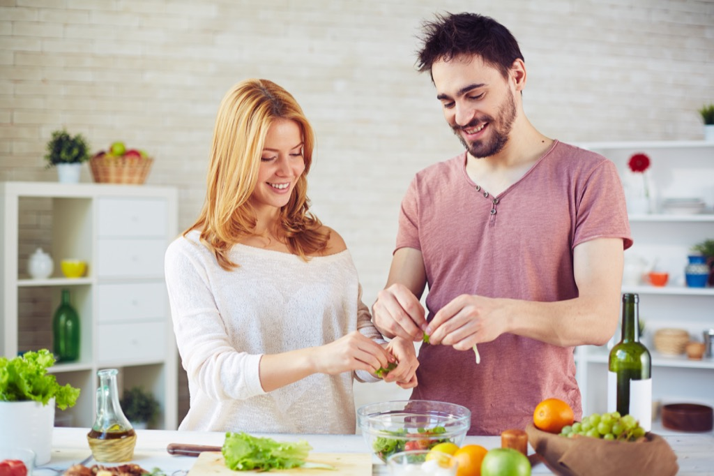 couples cooking together can help them relax