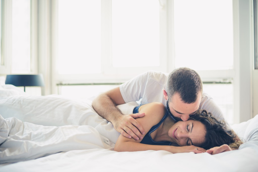 couple in bed, 20 phrases to say