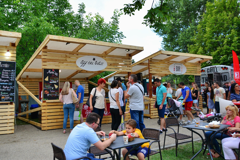 Outdoor food festival