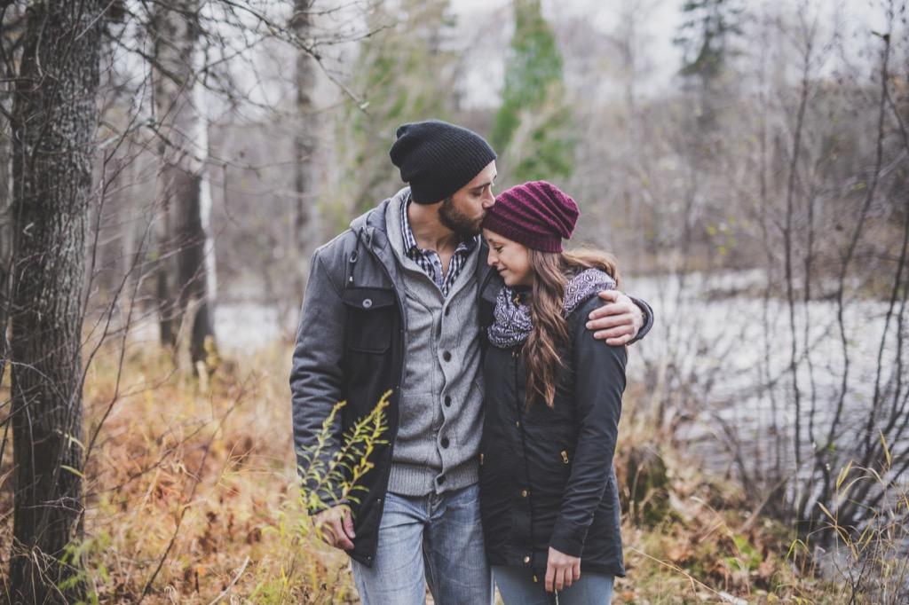 couple on fall walk, autumn, 20 phrases to say