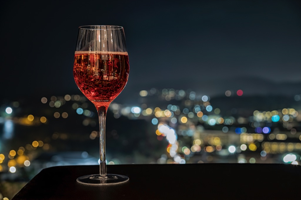 benefits of wine rose