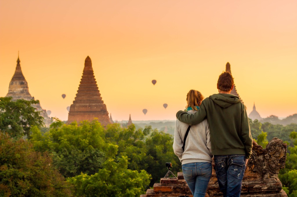 couple travelling, hobbies