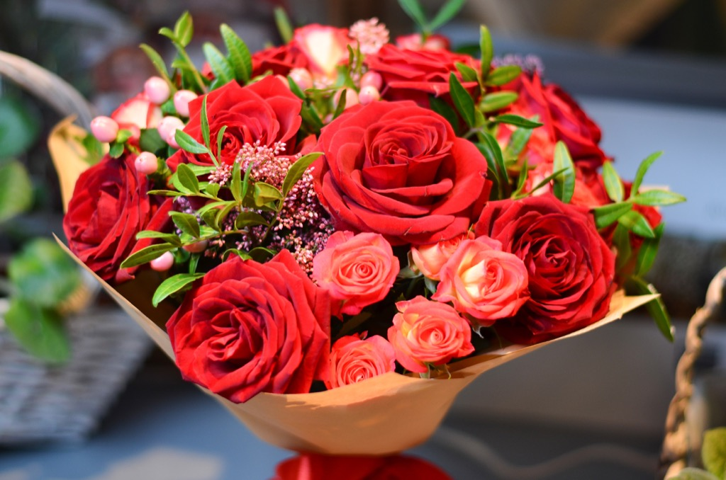 bouquet of roses, cultural mistakes