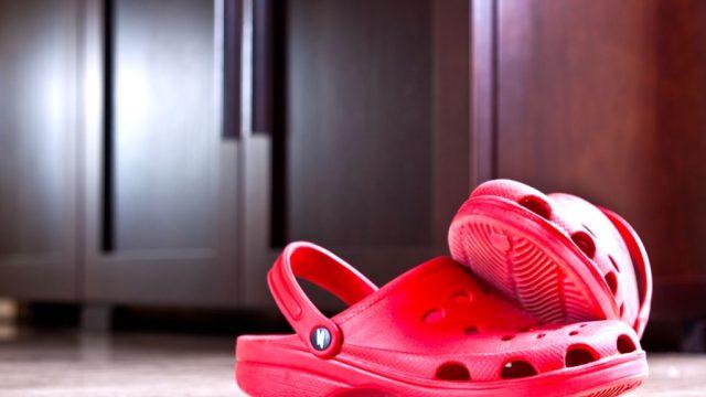 crocs, bad shoes