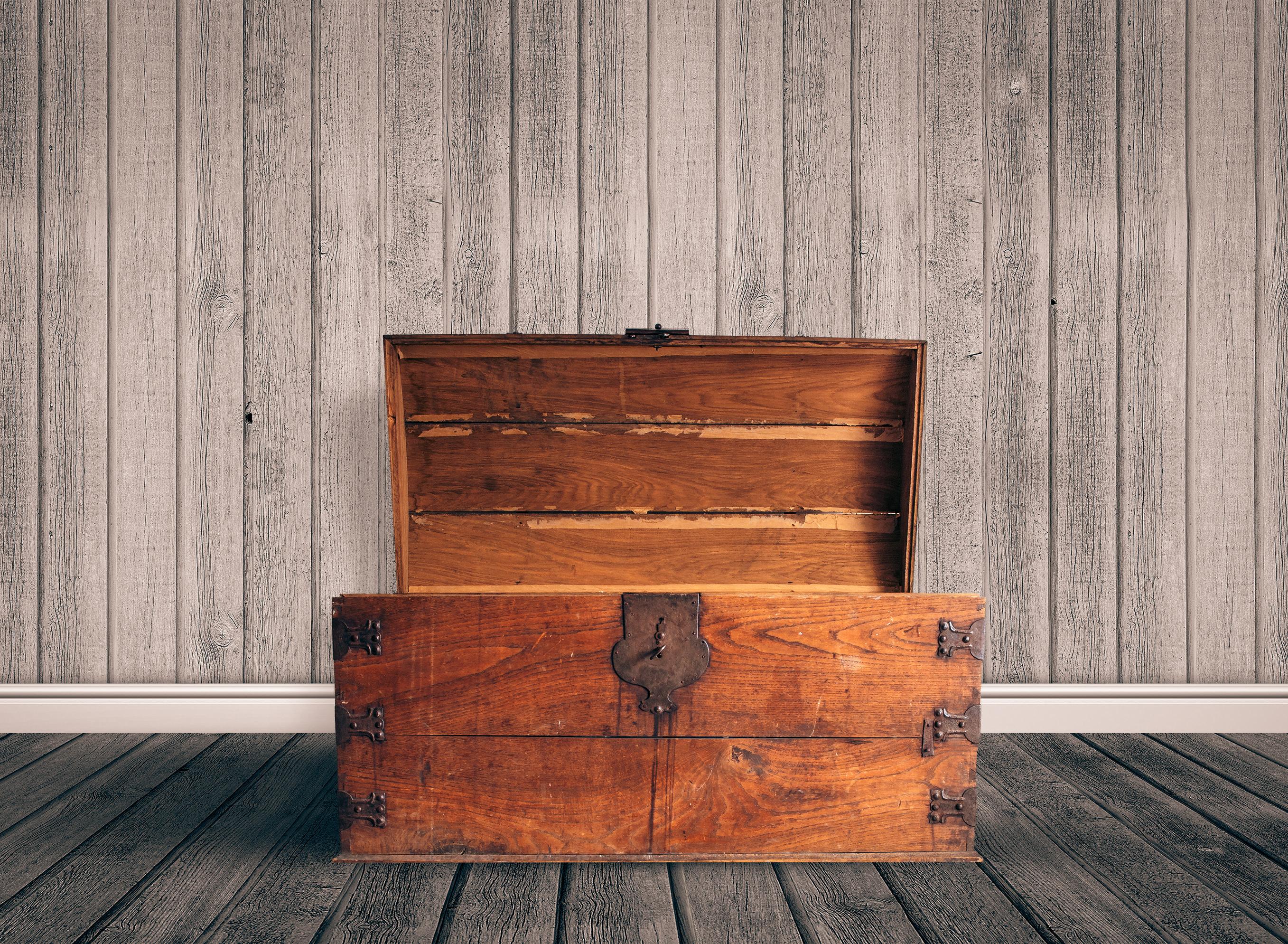 Wooden trunk Organized