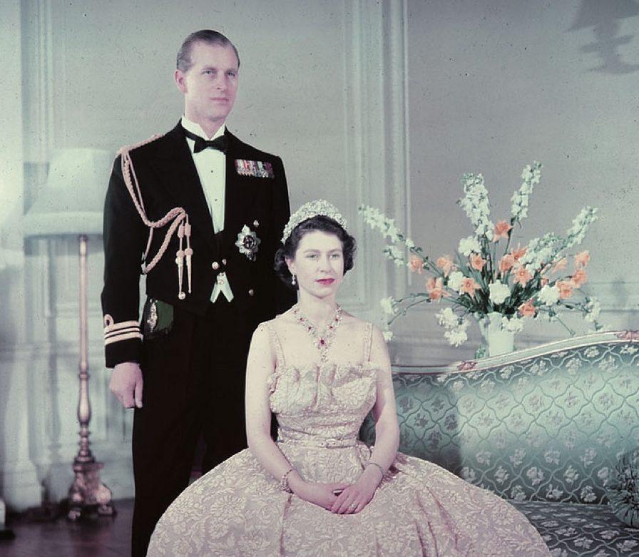 Elizabeth's tiara broke the day of her wedding Royal Marriages