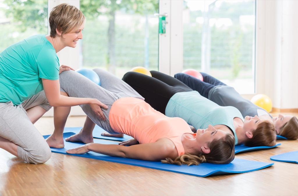 Pelvis stretch for squashing stress