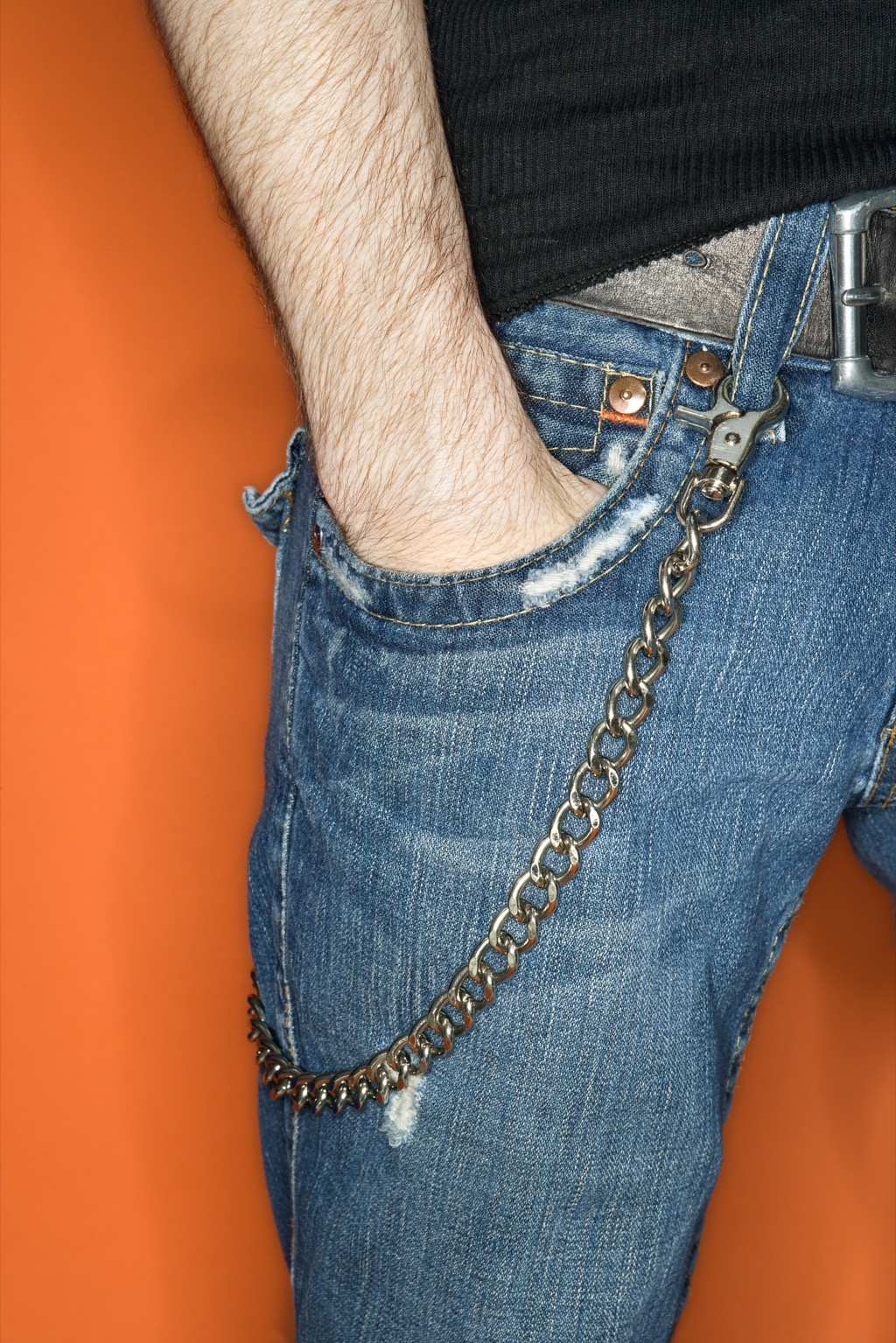 a chain wallet is never a good work look
