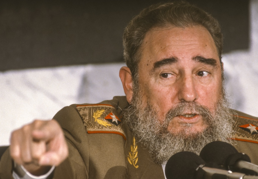 there were many weird plans to kill Fidel Castro - historical facts