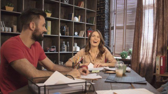 Man shows woman he can make anyone laugh