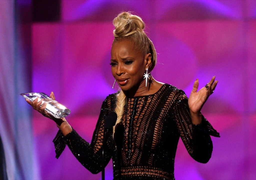 Mary J Blige at Billboard Music Awards 2017 woman in music awards