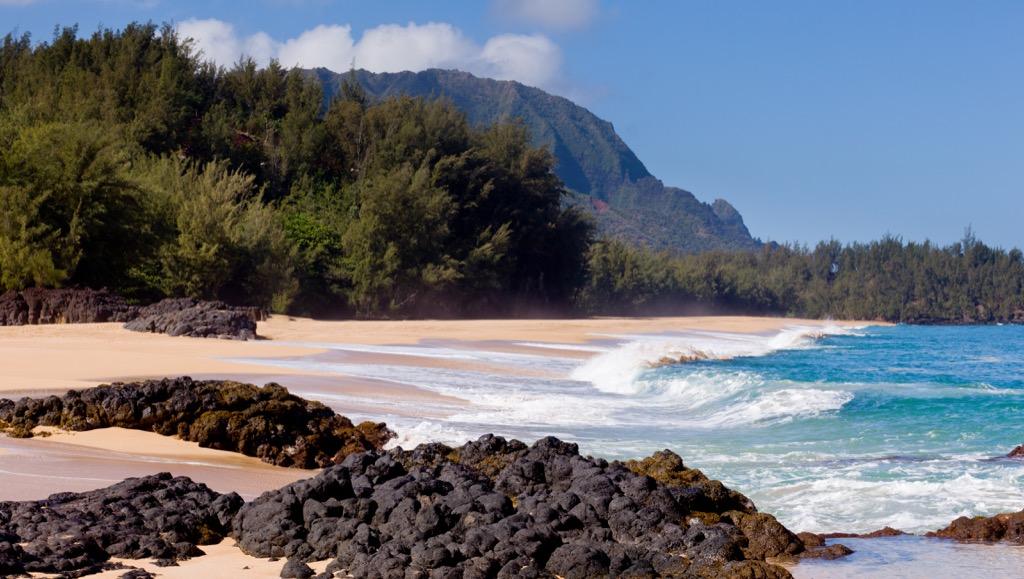 Lumahai Beach waves