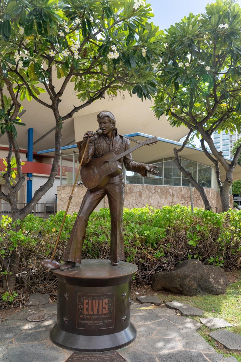 elvis aloha statue