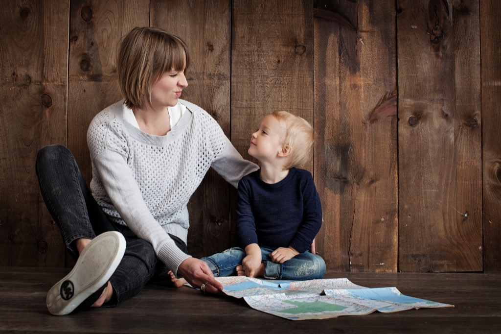 take a break and focus on your kids to be a better mom