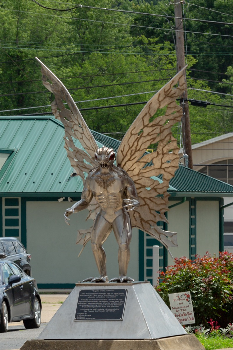 legend of mothman statue