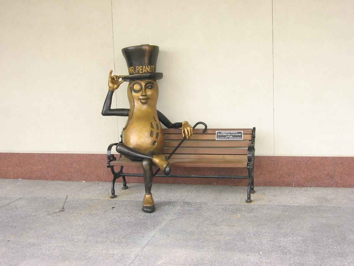 mr. peanut statue