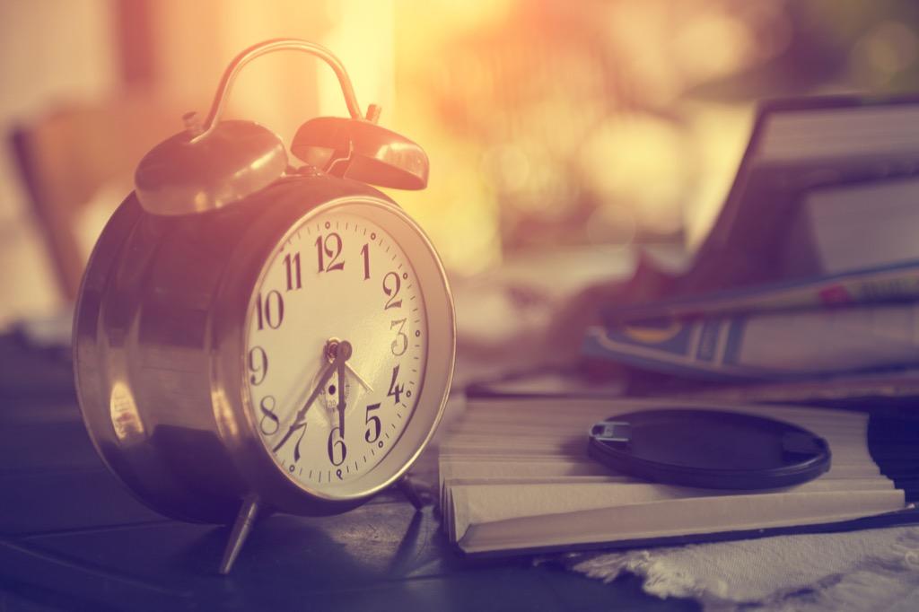 alarm clock how to sleep better