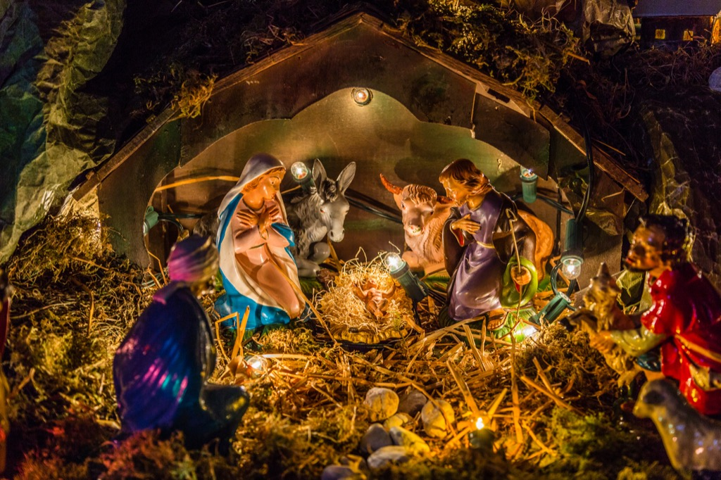 tacky nativity scenes are a bad xmas tradition