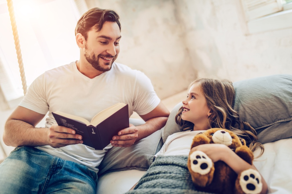 reading books to your kids is a good bonding experience