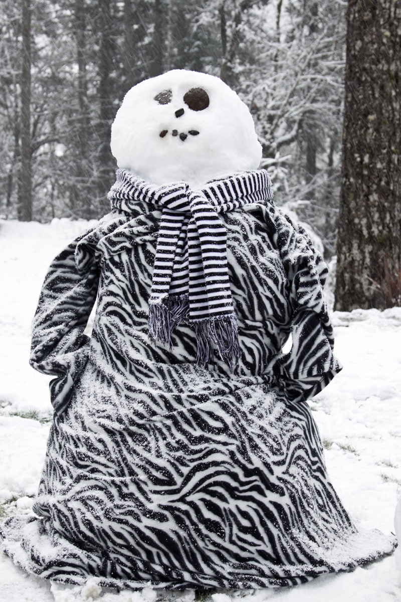 snuggie blanket on a snowman