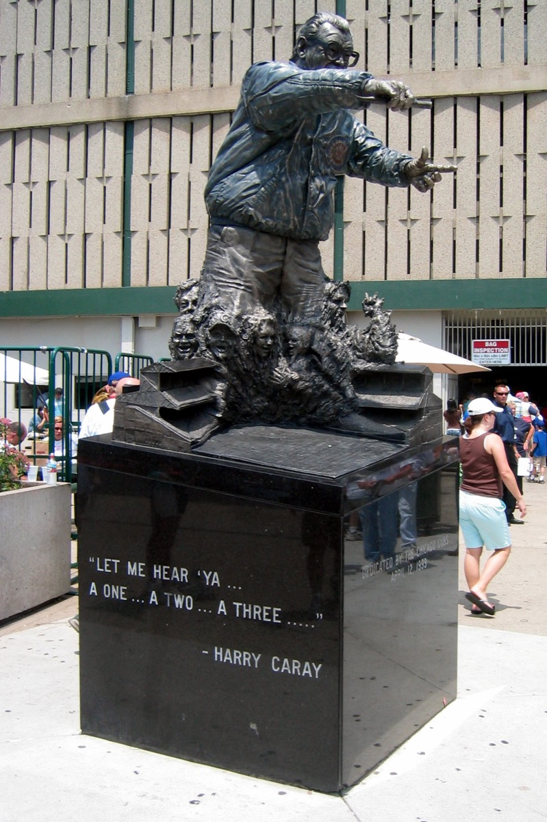 harry caray statue in chicago