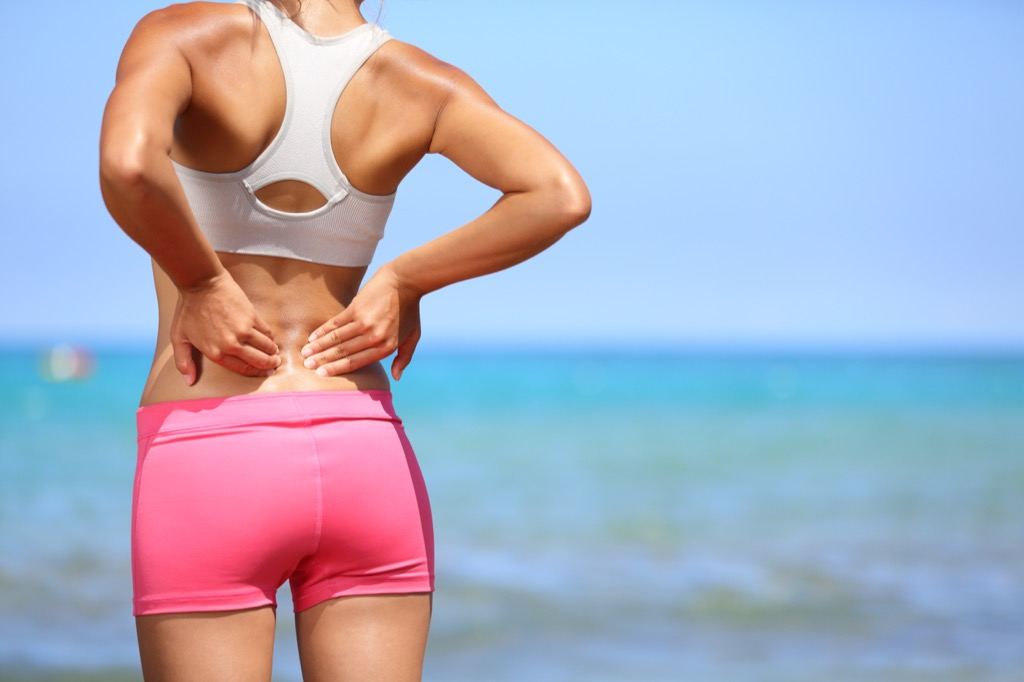 lower back pain thyroid
