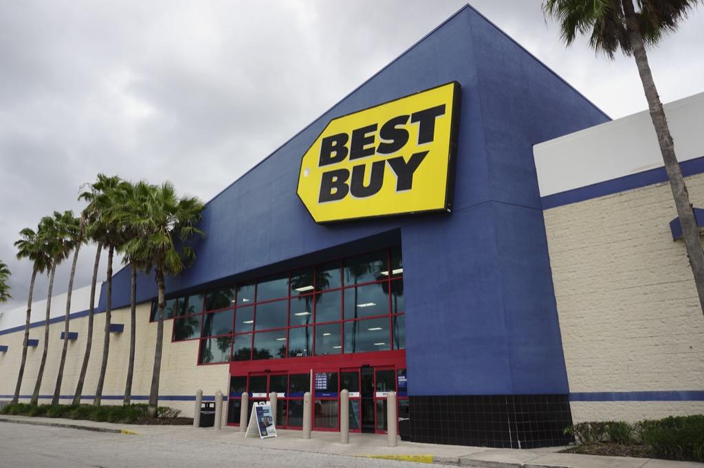 Best Buy exterior {Save Money on Electronics}
