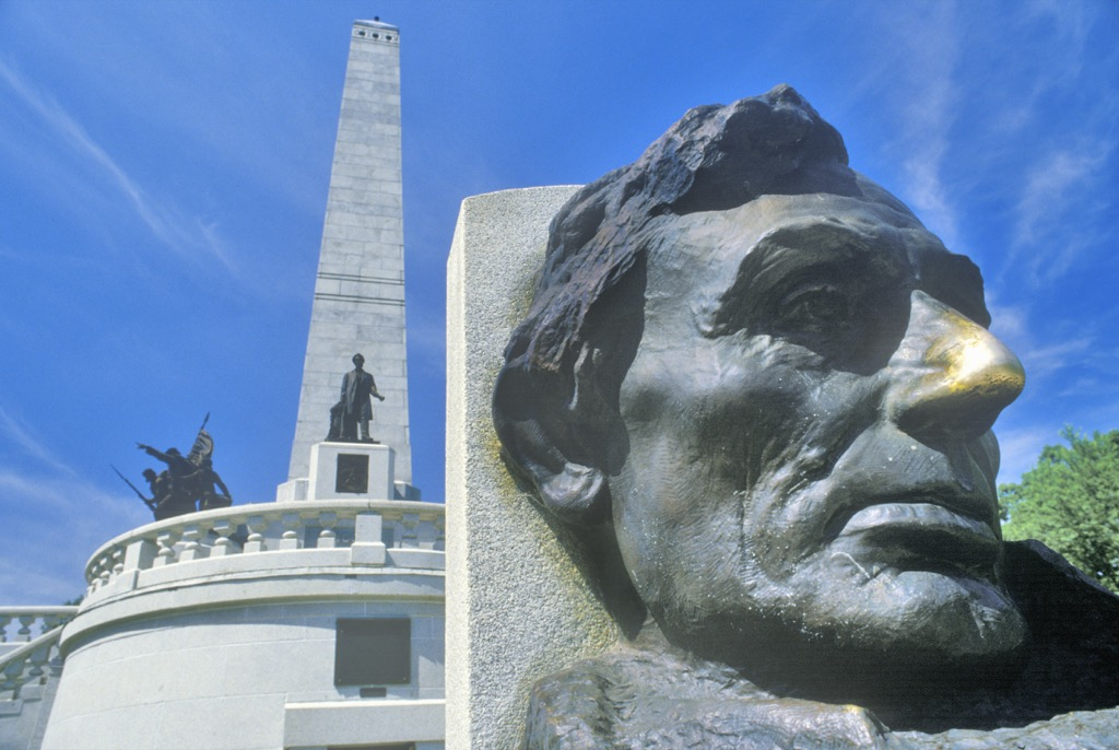 Gold nosed Lincoln statue